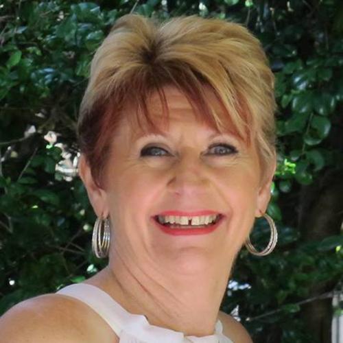 Esther Anderson | insandoutsofoutsourcing.com